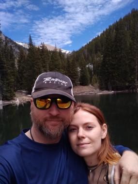 two people selfie at lake